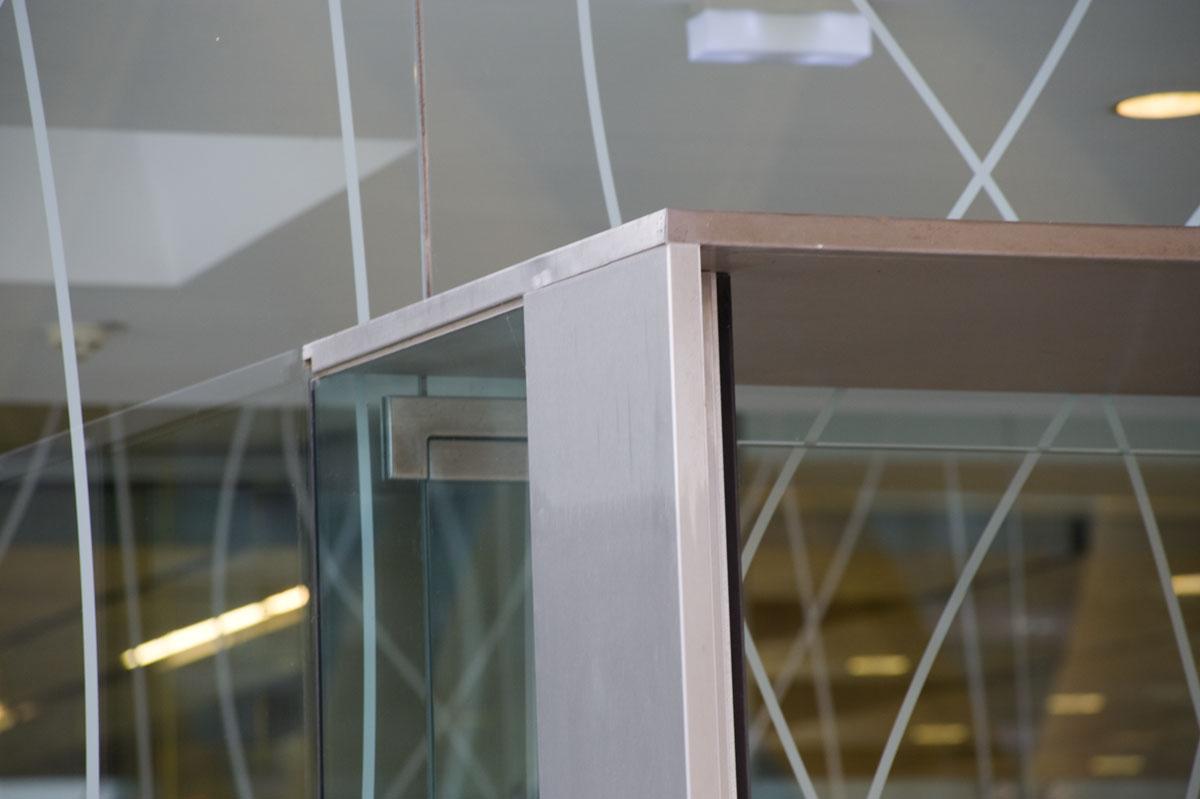 Nurglaseingangskonstruktion_Wien (18)