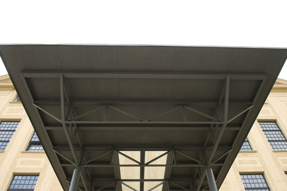 Vordachkonstruktion_Steyr (4)